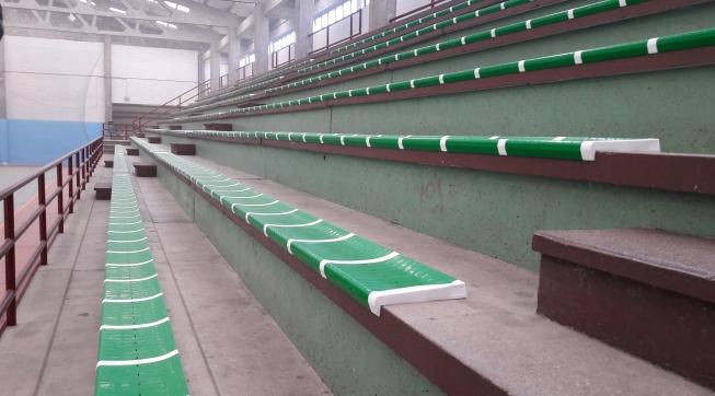 Asientos del Polideportivo de Santa Comba