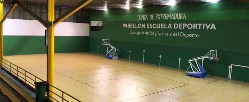RENOVACIÓN DE PAVIMENTO DEL POLIDEPORTIVO DE LA ESCUELA DEPORTIVA (PLASENCIA)